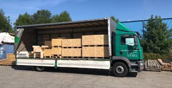 Kisten, Verschläge und Transportböden etc. bauen wir in eigener Werkstatt speziell nach den Maßen Ihres Transportgutes.